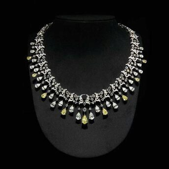 Necklace from the Soir de Fête High Jewellery collection